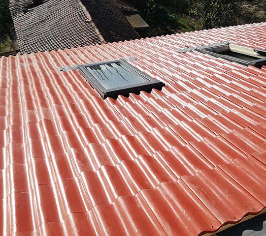 Покривна конструкция с покривни прозорци велукс
